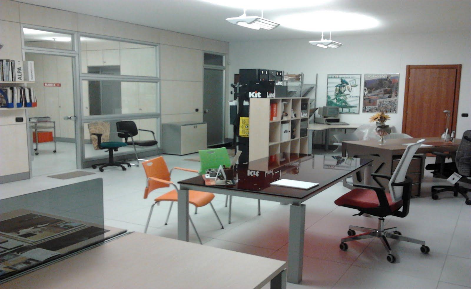 Mofa mobili per ufficio roma arredi scrivanie poltrone for Poltrone ufficio roma